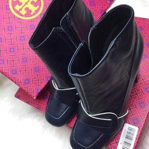 716ddbd85c16 Tory Burch Shoes - • Tory Burch bond bright navy blue booties 7m
